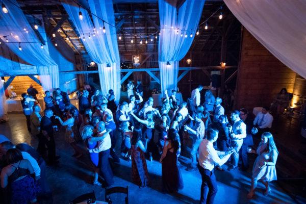 Dance lighting makes your wedding more fun!